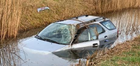 Nog een ongeluk op de A59: auto rijdt water in bij knooppunt Empel