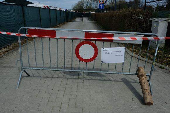 Tijdens de lockdown waren de recyclageparken van Interrand - hier dat in Overijse - gesloten. Vanaf maandag kan je in Tervuren alleen binnen op afspraak.