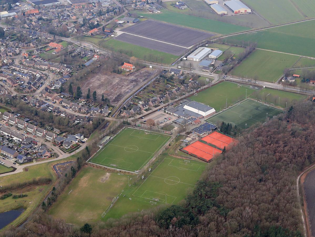 Sportpark De Klep in Middelbeers vanuit de lucht.