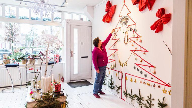 Door de jaren heen hebben ze flink wat kerstversiering verzameld Beeld Tammy van Nerum