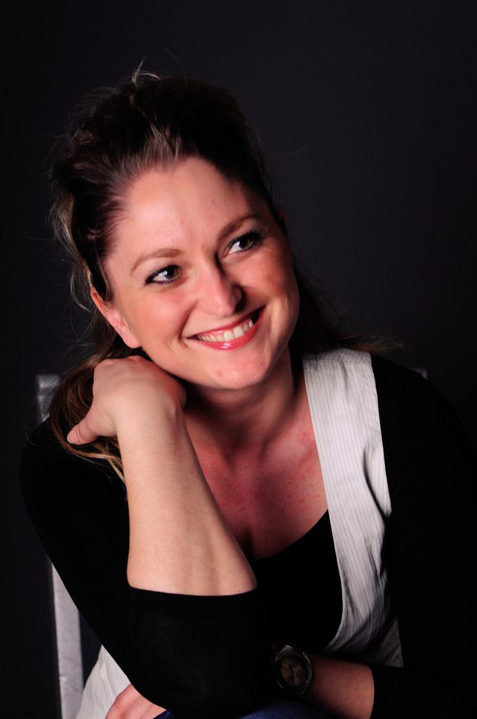 Schrijfster Angelique van der Bijl - foto Milou van Helden