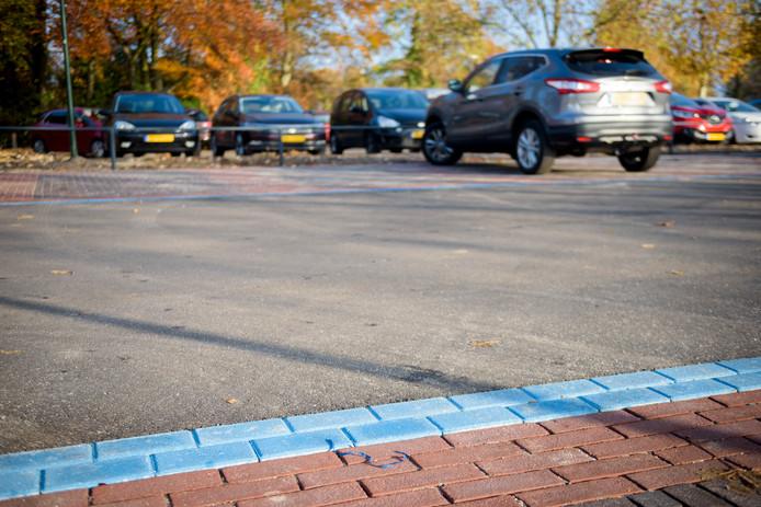 NUENEN - Inrichting van een blauwe zone (parkeerschijf) in het Nuenense centrum