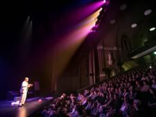 Oudejaarsconference Joop Vos gaat niet door, niet in de theaterzaal en dus ook niet in de huiskamer