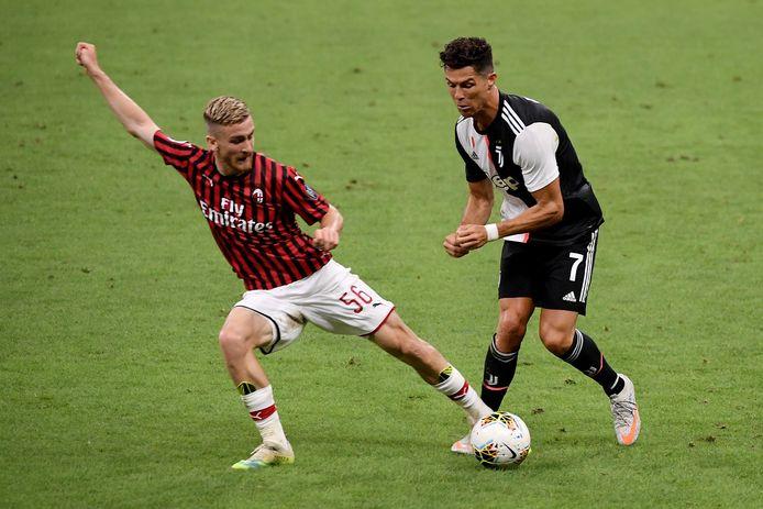 Alexis Saelemaekers et Cristiano Ronaldo.