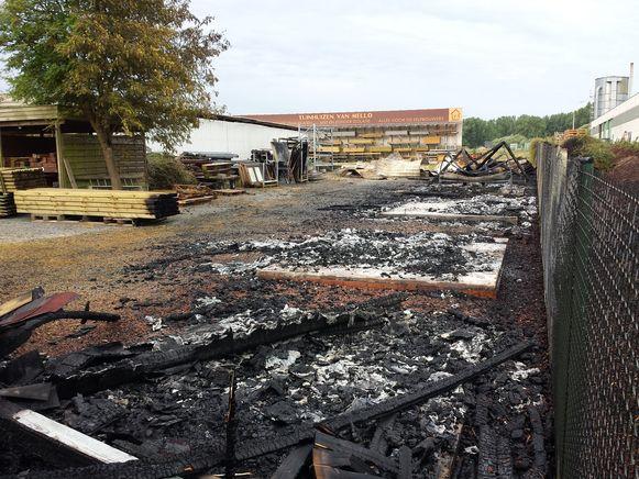 Bij Tuinhuizen Van Mello werd brand gesticht.