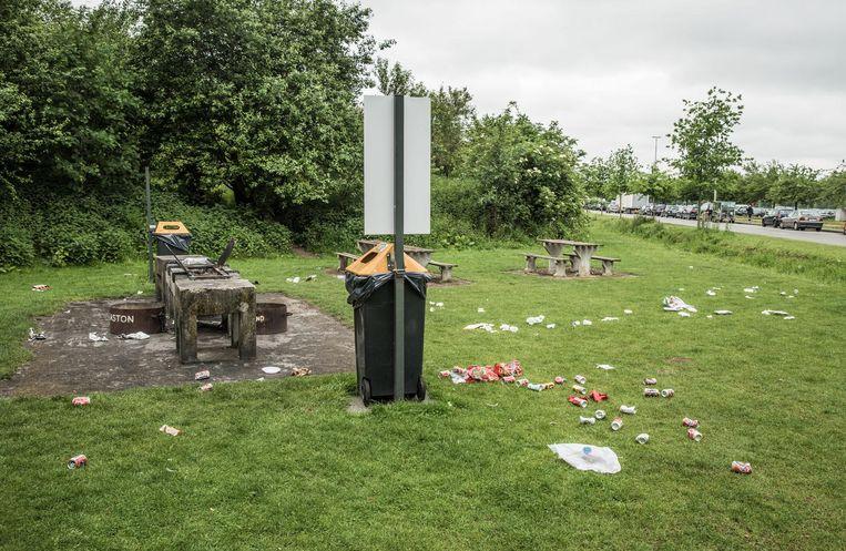Deze gebruikers van de barbecue aan de Watersportbaan hebben duidelijk geen zin voor verantwoordelijkheid.