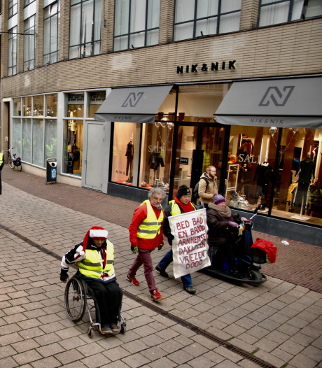 Gele Hesjes Arnhem zijn nog lang niet klaar: 'Als het moet, staan we hier iedere week'