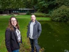 Overnachten in legendarische Ermelose boshut: als het meezit kan het over twee jaar