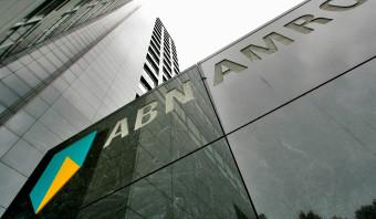 Surinamers zijn boos nu ABN Amro hun bankrekeningen opheft