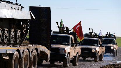 Turkije blijft militaire konvooien naar grens met Syrië sturen