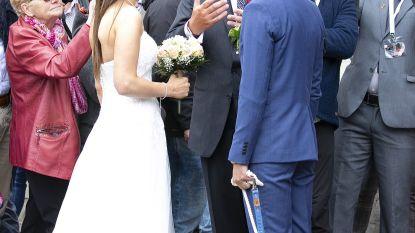 Prins Laurent doet aan 'wedding crashen' in Brugge