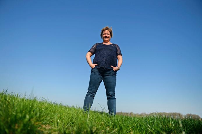 Boerin Heleen Lansink.  Zij reist op een beurs voor veelbelovende boerinnen de wereld rond.
