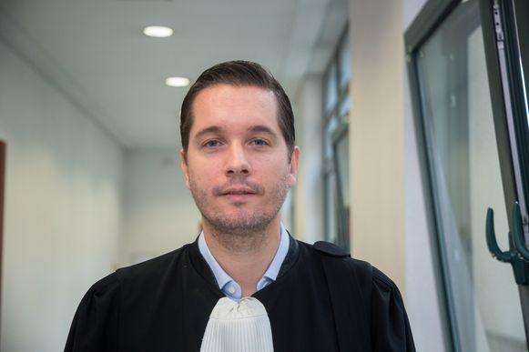 """Advocaat Michiel Van Kelecom: """"Mijn cliënt heeft toegegeven dat hij 37 drugstransporten deed maar geen 57"""""""