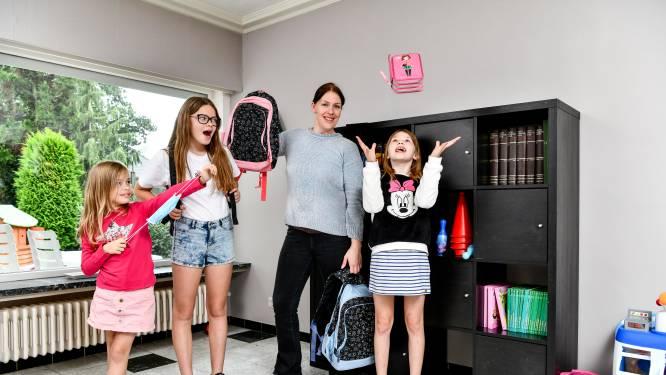 """Mama en drie dochters over start schooljaar: """"Voor veel kinderen is een mondmasker het nieuwe normaal"""""""