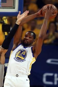 Warriors en 76'ers naar tweede ronde play-offs in NBA