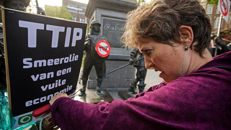 Protest tegen Ttip op het Rembrandtplein vorig jaar. Beeld anp