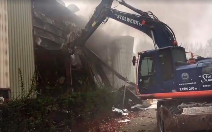 Sloop wanden bij brand Faam in Breda. Foto Facebook Stolwerk Sloopwerken