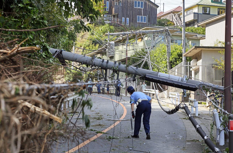 Typhoon Faxai teisterde Japan een maand geleden nog. Toen werden meer dan 30.000 huizen verwoest en viel een groot deel van het energienetwerk uit.