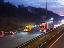 Vier personen gewond na aanrijding: A28 dicht in richting Amersfoort
