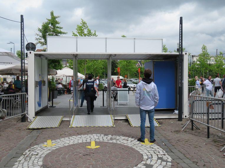 Toen het zaterdagmiddag even te druk was in de Ooststraat, werd die tijdelijk afgesloten.