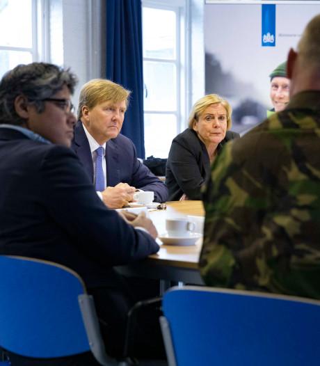 Koning bezoekt kazerne: Honderd procent veiligheid bestaat niet