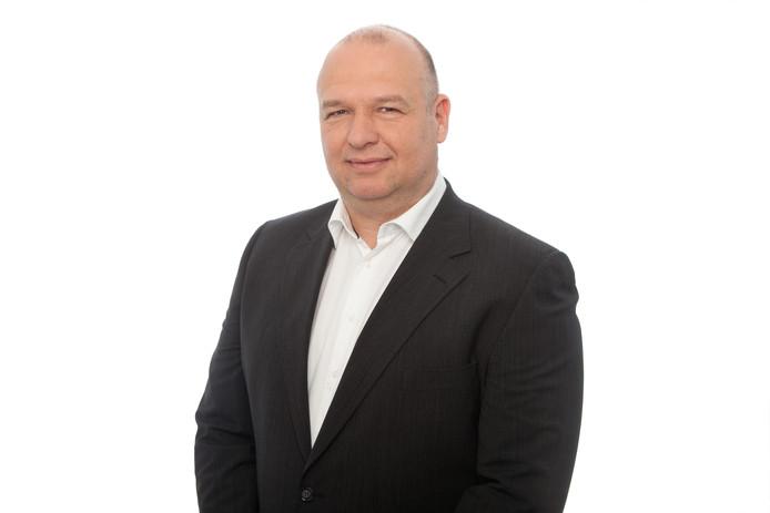 Frank Wielaard uit Lochem is een van de commentatoren van de NOS tijdens het WK vrouwenvoetbal in Frankrijk.