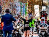 Het is gelukt! Esther Pieterse loopt ongetraind voor zieke vriendin en finisht als laatste