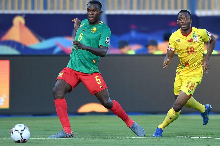 Toptransfer Michael Ngadeu in het shirt van Kameroen.