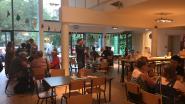 """""""Alle talen zijn mogelijk, zolang er een aanbieder en een vrager zijn"""": Gents taalcafé Mundial wil drempelvrees verlagen"""