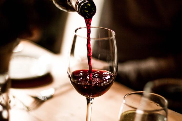 Een glas wijn drinken wordt duurder.