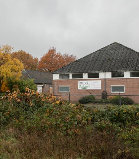 Omwonenden Dalemsedijk Eersel in verweer tegen plan huisvesting arbeidsmigranten