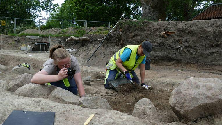 Dit soort bootgraven behoorden toe aan erg belangrijke leiders uit de Vikingtijd.