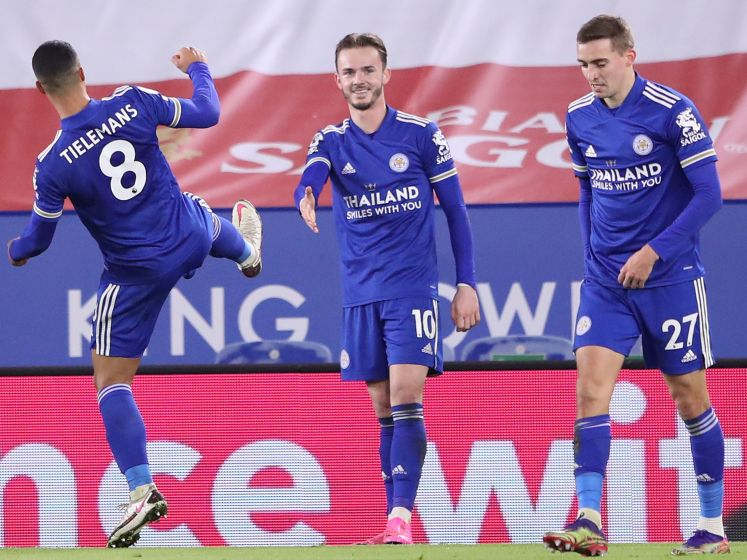 Leicester City wint en geeft lesje in 'coronaproof' juichen