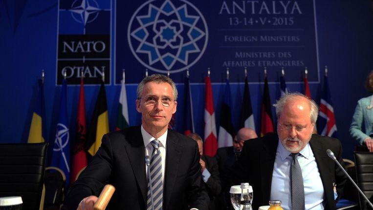 NAVO- chef Jens Stoltenberg (links) tijdens de bijeenkomst in Antalya. Beeld anp