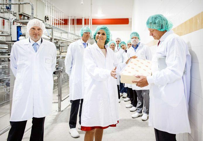 Koningin Máxima, enkele jaren geleden tijdens een werkbezoek aan de kaasfabriek van FrieslandCampina in het Friese Workum.