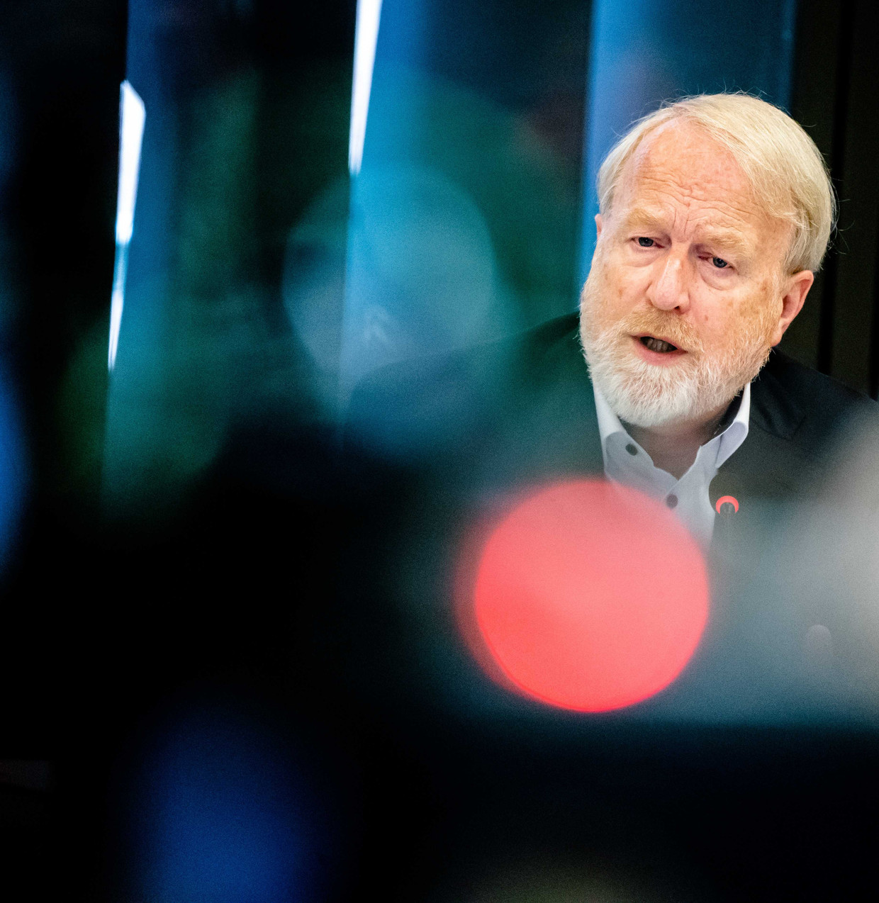 Jaap van Dissel: 'Om al op voorhand te concluderen dat zo'n app in Nederland geen kans van slagen heeft, gaat me te ver.' Beeld null