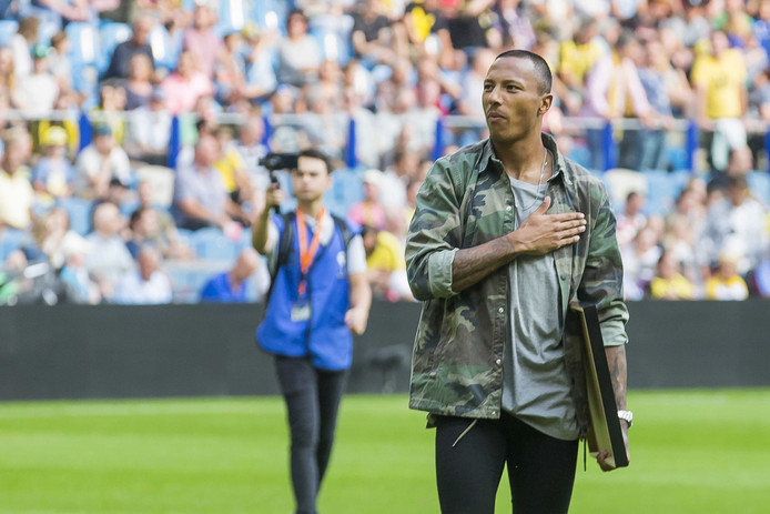 Eloy Room won vorig jaar met Vitesse de KNVB-beker, maar begint nu op de bank.