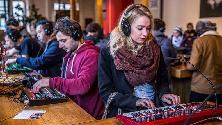 In de ADE Playground kunnen bezoekers zich laven aan de nieuwste producten op het gebied van elektronische muziek Beeld Amaury Miller
