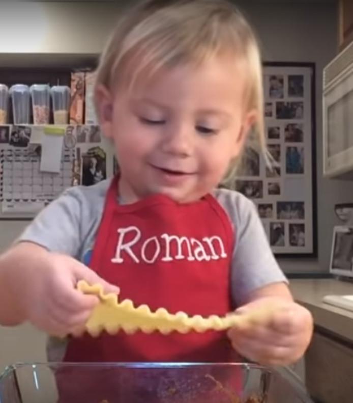 Beeld uit de kookvideo van Roman.