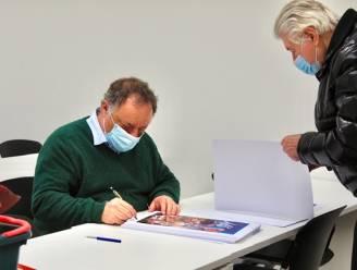 Marc Van Ranst signeert carnavalsaffiches Bjein Treizen