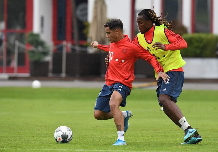 Coutinho op zijn eerste training met Renato Sanches.