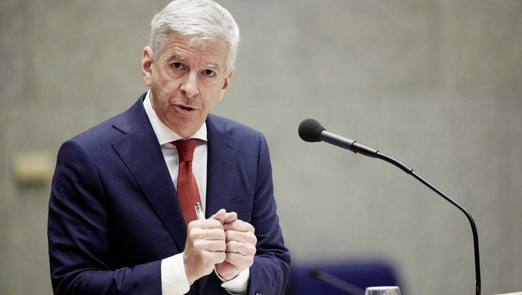 Minister Ronald Plasterk van Binnenlandse Zaken tijdens het vragenuurtje in de Tweede Kamer. Beeld anp