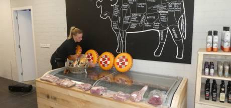 Liempdse agrariër Verhoeven zoekt verbreding voor vleeskalverbedrijf en opent streekwinkel
