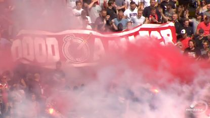 Weinig fraai 'Dood aan FCB'-spandoek duikt, uitgerekend in minuut 23, op in tribunes Bosuil
