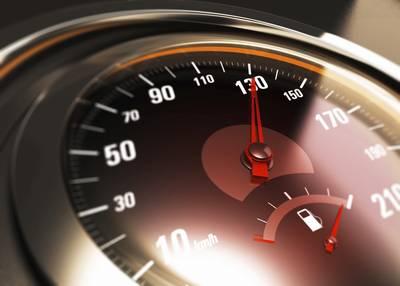 Automobilist rijdt 108 km/u door centrum Breda en moet rijbewijs inleveren