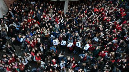Sancta Maria Leuven kleurt rood voor slotfeest Rode Neuzendag