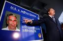 De van kindermisbruik en mensenhandel beschuldigde Amerikaanse multimiljonairJeffrey Epstein (66) was in het verleden goed bevriend met prins Andrew.