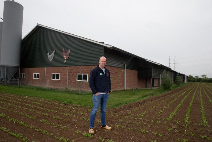 Roy Tomesen op zijn boerderij.