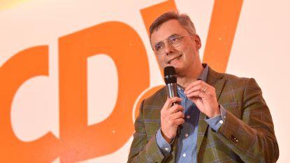 Joachim Coens nipt verkozen tot nieuwe CD&V-voorzitter, Sammy Mahdi strandt op 46,8 procent