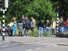 Auto en scooter botsen op Ringweg Kruiskamp